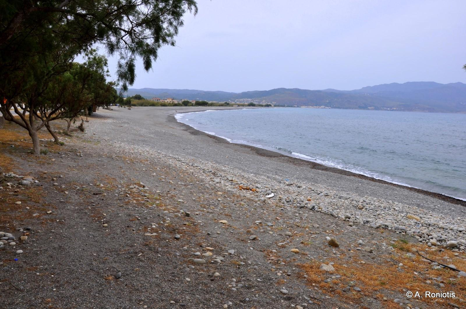Tavronitis beach