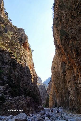 Sideoportes inside Samaria gorge