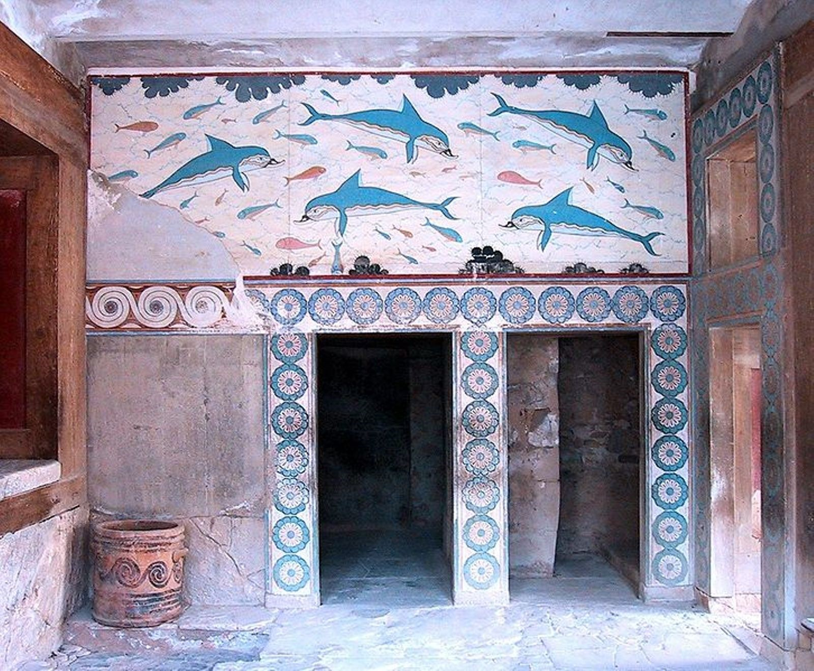 Queen's Room and the Dolphins' frescoe