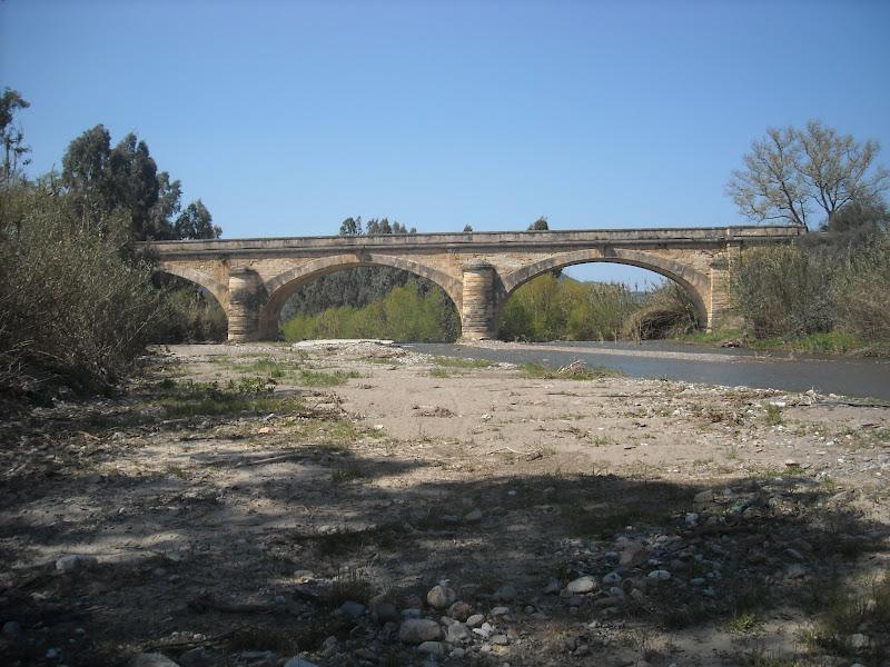 http://www.cretanbeaches.com/images/stories/history/architecture/bridges/keritis/DSCN3107.JPG