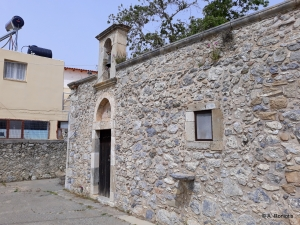 Panagia Mesohoritissa church at Malles